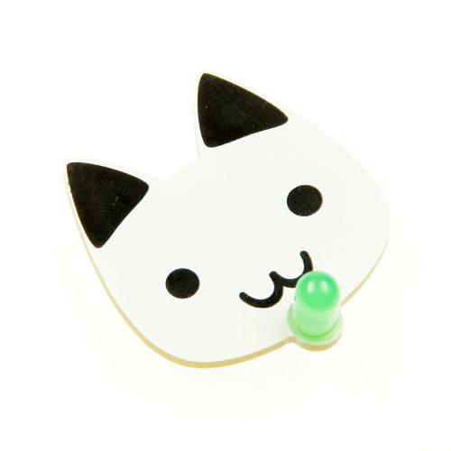 ピカピカどうぶつバッジ(ネコ) 緑色の自動点滅LED付き