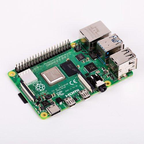 Raspberry Pi 4 Model B / 2GB【発売時期・価格未定】